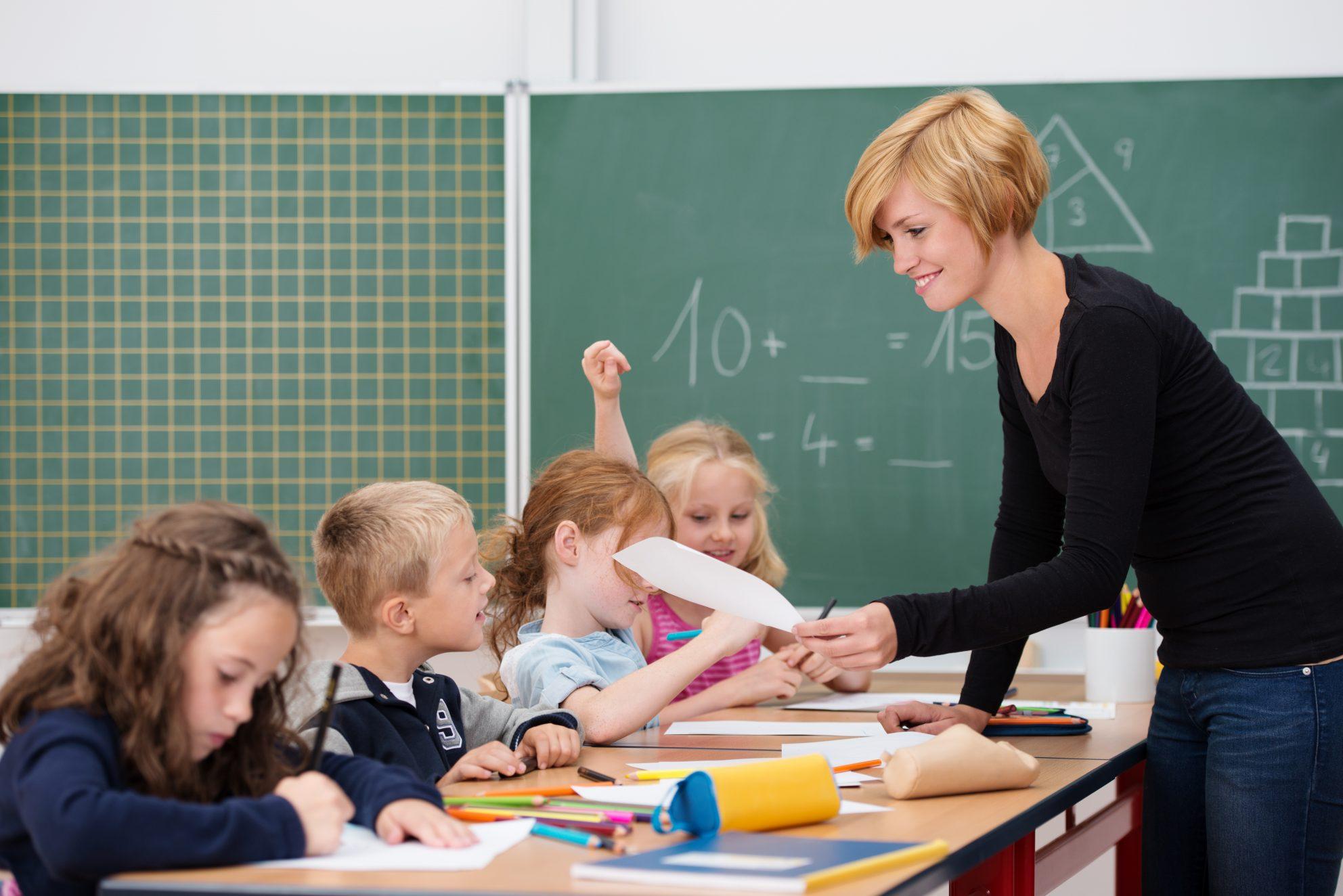 Wie du die ersten drei Monate in deiner neuen Klasse überstehst